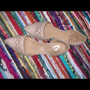 Cream nude shoes